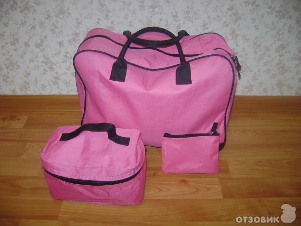 еще набор дорожных сумок (здесь качество хуже, чем у предыдущего, эти сумки совсем не держат форму)...