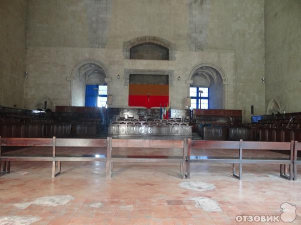 Экскурсия в замок Castel Nuovo (Италия, Неаполь) фото