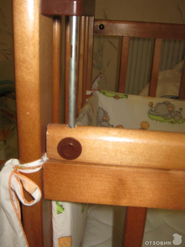 """Отзыв: Детская кроватка с поперечным маятником  """"Наша мама """" - Крепкая, удобная, из настоящего дерева."""