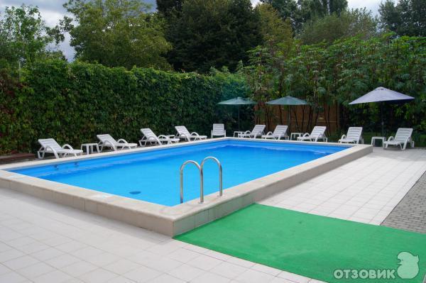 гостиницы дивноморска с бассейном