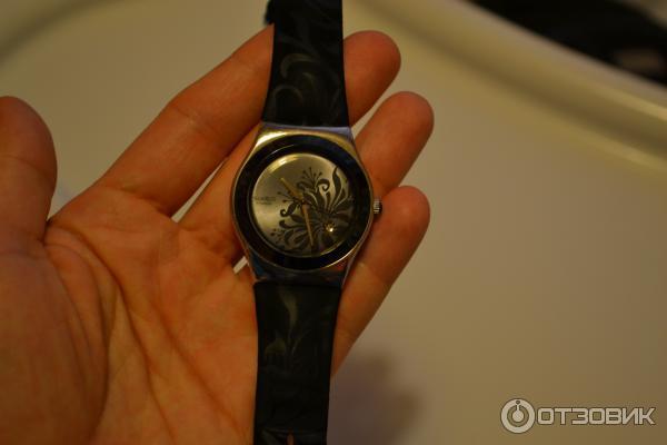 Циферблат отсутствует, но я быстро приноровилась... Мои первые часы Swatch с кожаным ремешком в пластиковом корпусе