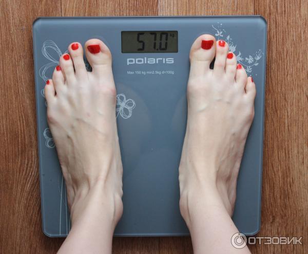 Почему весы показывают разный вес