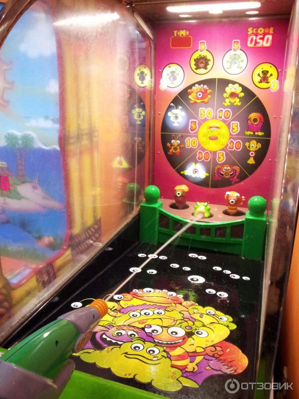 Пальце Автоматы Парке Игровые В Крэзи восхитилась спектаклем, который