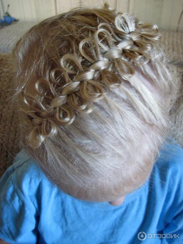 Причёска колосок с бантиками из волос