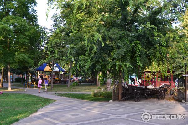 Парк Чистяковская роща в Краснодаре: фото, аттракционы, кинотеатр | 400x600