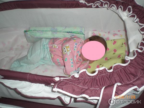 Валик из пеленки для новорожденных