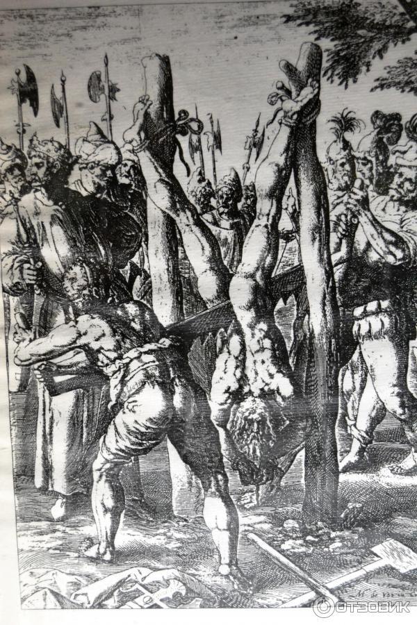 Порно пытки в средние века сожание на кол женщин
