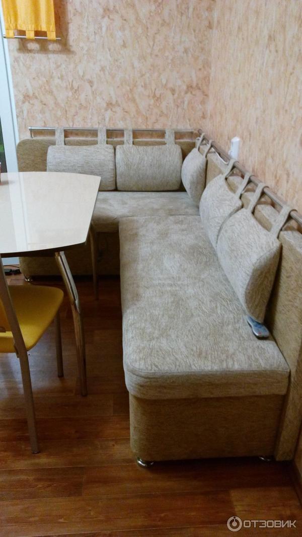 Стильный кухонный диван в