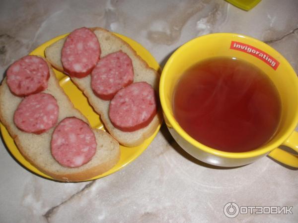 Картинки по запросу Бутерброды с колбасой и чай