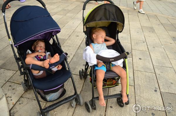 Можно ли сажать ребенка в прогулочную коляску если он не сидит 51