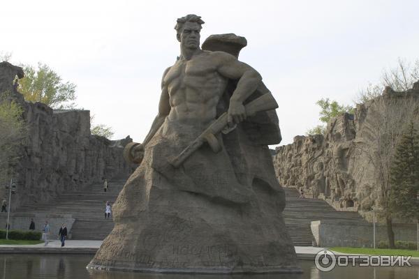Волгоград памятники фото и описание зима 2015 памятник элитные мира великая стена