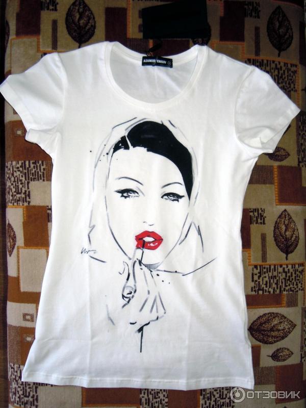 Красивые девушки в сетчатых футболках фото
