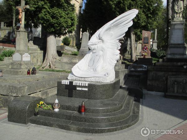 Скульптуры на могилу из литьевого мрамора