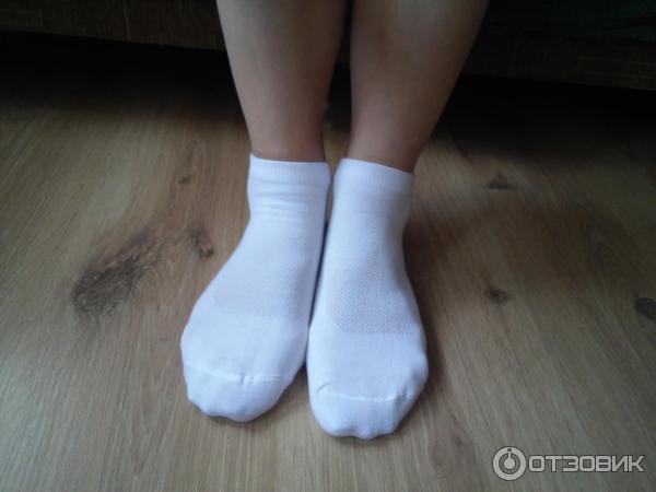 Красивые ножки в кросовках и носочках фото 264-684