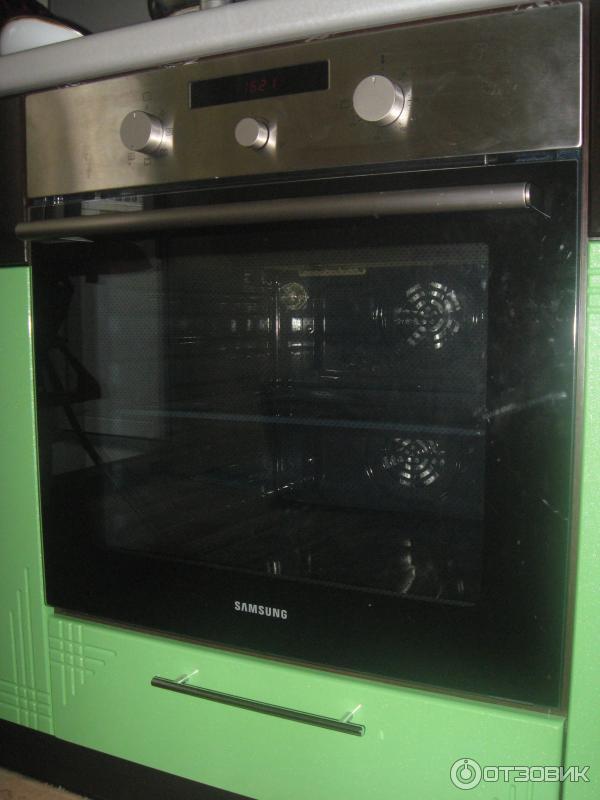Электрический духовой шкаф Samsung