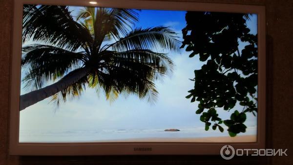 LED-телевизор Samsung UE22H5610AK фото