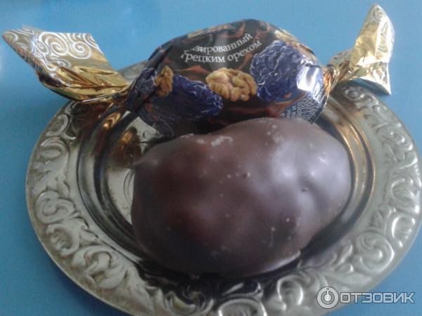Конфеты из чернослива и орехов в шоколаде