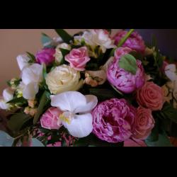 optom-kuntsevo-sankt-peterburg-magazini-tsvetov-neobichnie-krasivie-svadebnie