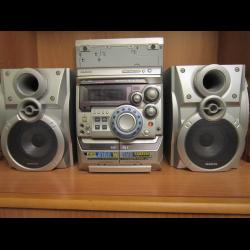 Отзыв о Миникомпонентная система с функцией караоке проигрывателем  DVD-дисков Samsung MAX-KDZ150 fcc0f7566bb