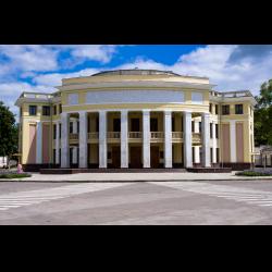 1800 в малом зале приднестровского государственного театра драмы и комедии им нсаронецкой
