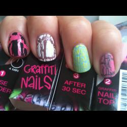 graffiti nail top isadora