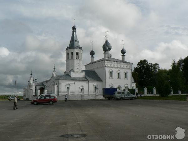 Храм в Годеново