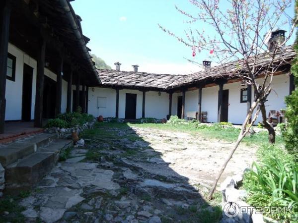 Экскурсия в Гложенский монастырь (Ловеч, Болгария)