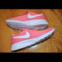 Отзывы о Кроссовки женские Nike Tanjun 923aee89e9